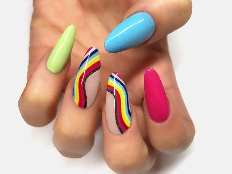 Idee Nail Art - Barbara Donini: Kombi multicolor