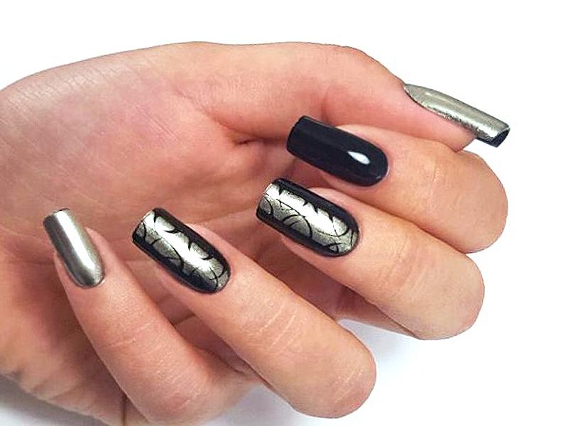 Corso decorazione unghie - Katia Riccio: Chrome Black&Silver