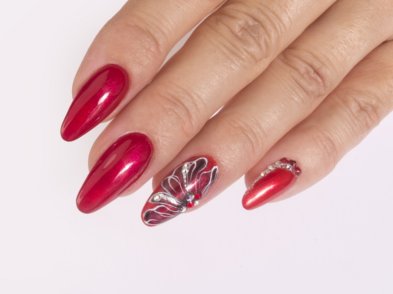 Idee nail art  - Katia Riccio: Illusion flower red