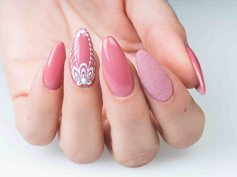 Nuove tendenze nail art - Sheila Oddino: Kombi Cara