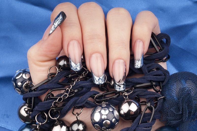 corso decorazione unghie french blu con deco stripe argento decorazione di kateryna bandrovska