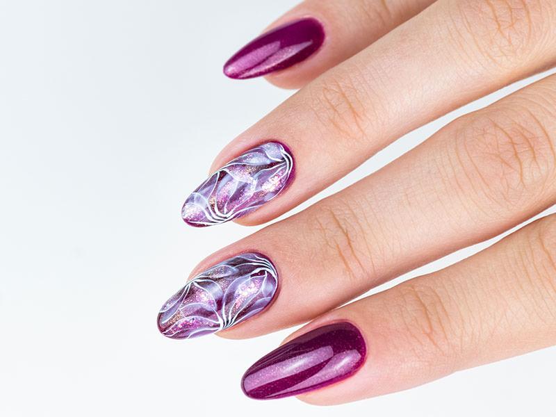 Idee Nail Art - Kateryna Bandrovska: Eden iridescente