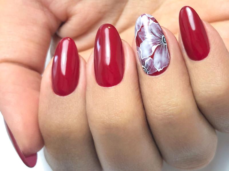 Nuove tendenze Nail art - Sara Scarselli: Eden in red