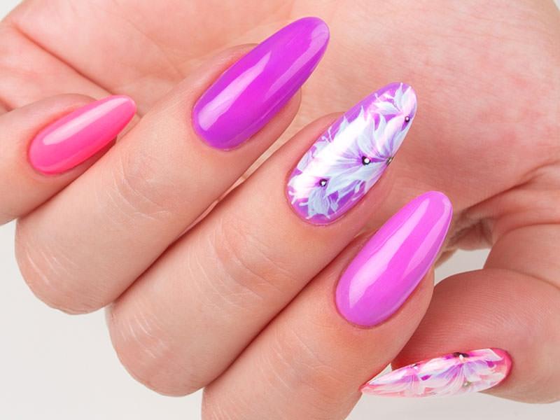 Nuove tendenze Nail art - Kateryna Bandrovska: Kombi fiorito