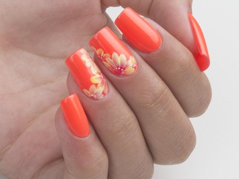 Nuove tendenze nail art - Gioia Del Zotto: Flower Gel