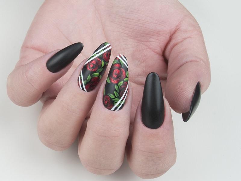 Nail art avanzata - Gioia Del Zotto: Rose
