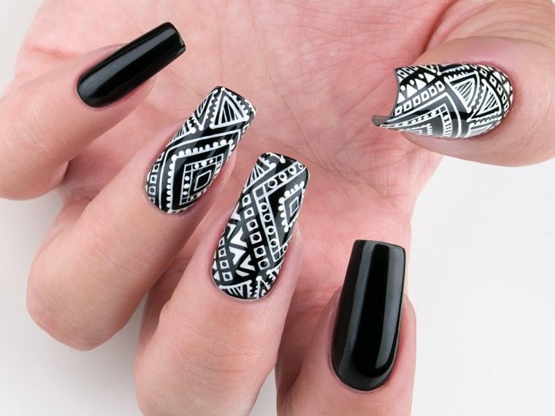 Corso decorazione unghie - Gioia Del Zotto: Black&White tribale