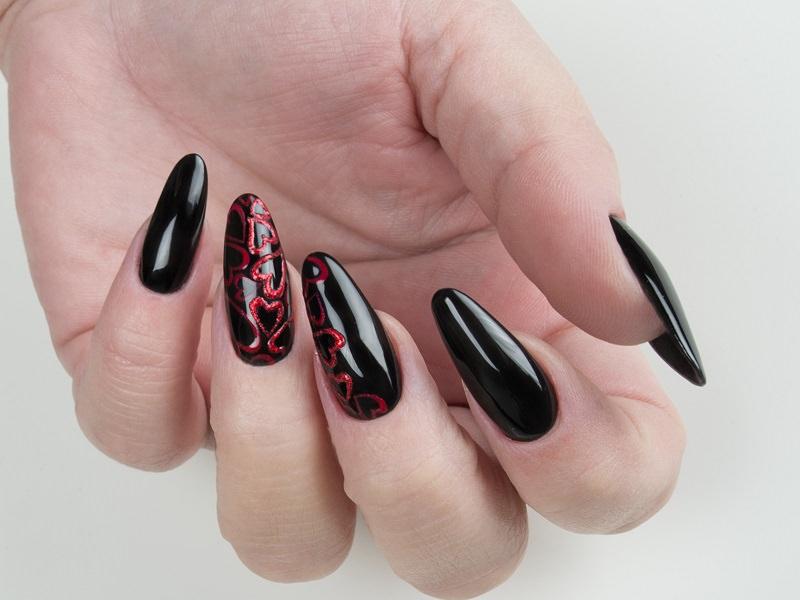 Nuove tendenze Nail art - Gioia Del Zotto: Cuori brillanti