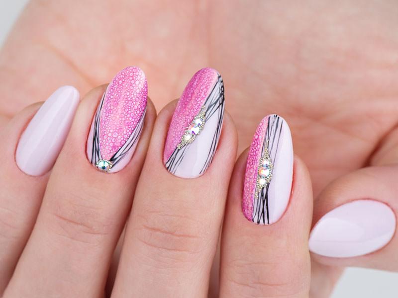 Idee decorazione unghie - Lorena Chiarentin: Bolle, fili e strass
