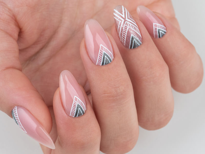 Idee Nail Art - Caterina Del Signore Kombi effetto geometrico