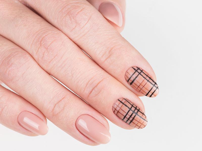 Idee Nail Art - Gioia Del Zotto: Kombi tartan