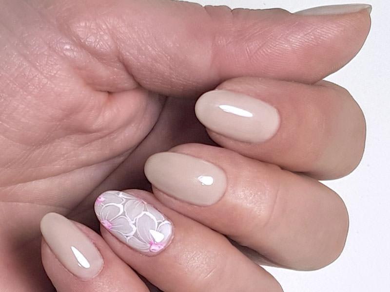 Idee Nail Art - Chiara Milanese: Kombi fiorito
