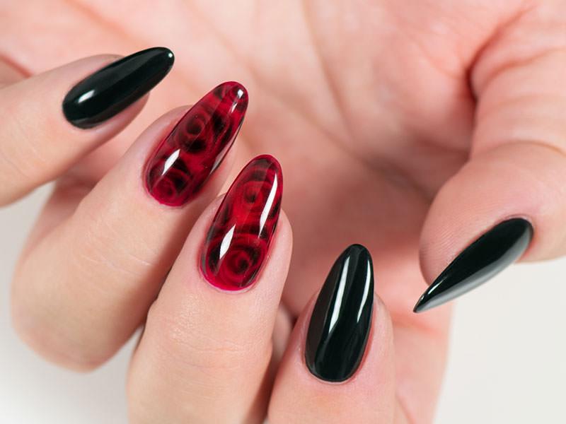 Nuove tendenze Nail art - Gioia Del Zotto: Kombi Art rose