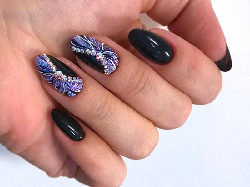 Idee nail art  - Kateryna Bandrovska: Illusion floreale