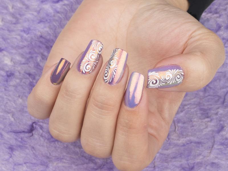 Corso decorazione unghie - Kateryna Bandrovska: riccioli bianchi