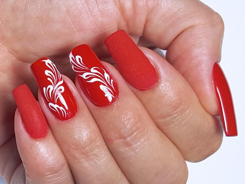 Idee nail art  - Katia Riccio: Rosso deco White