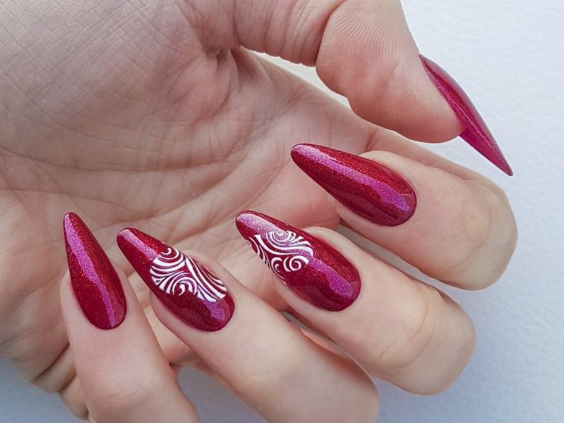 Nuove tendenze nail art - Sara Colleoni: Cuori Chic