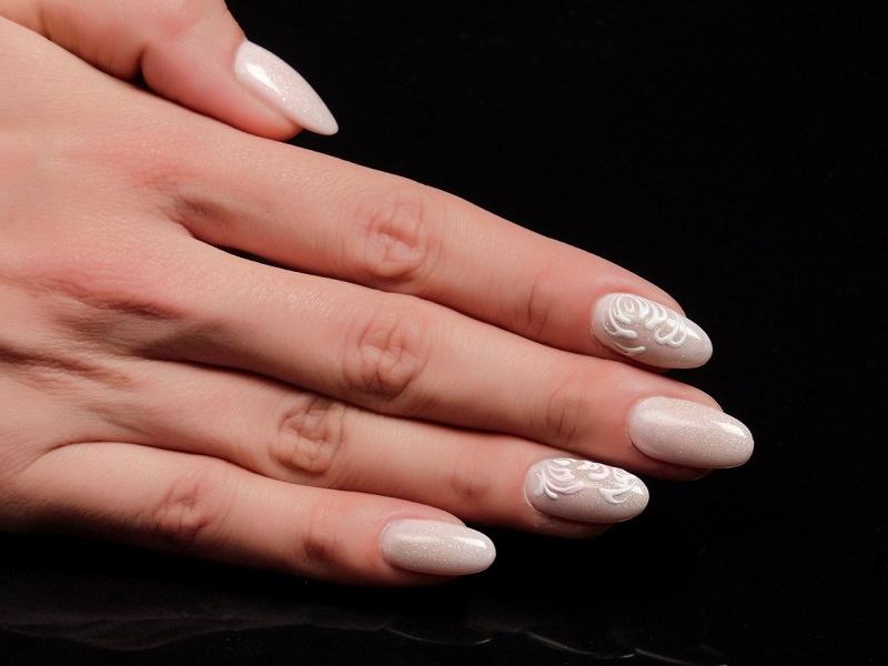 Corso decorazione unghie - Sheila Oddino: Deco White