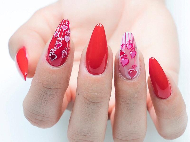 Nuove tendenze Nail Art: Sheila Oddino - Cuori pendenti