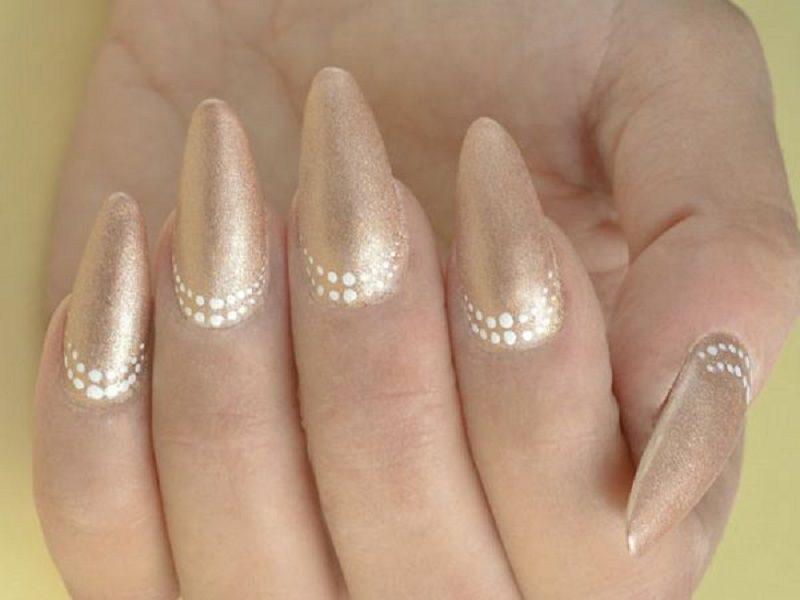 Corso decorazione unghie - Sheila Oddino: madorla Gold