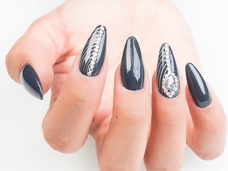 Nuove tendenze nail art - Sheila Oddino: preziosa