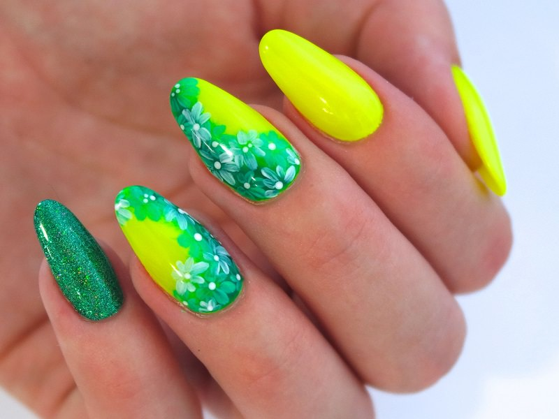 Corso decorazione unghie - Valentina Fiaschi: Green Flower Gel