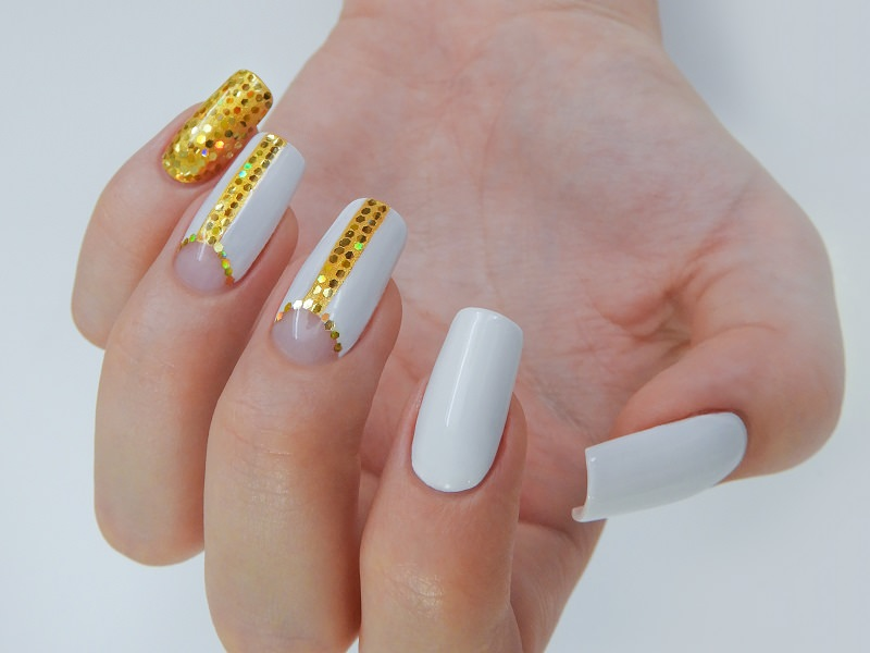 Nuove tendenze nail art - Valentina Fiaschi: paillet dorate