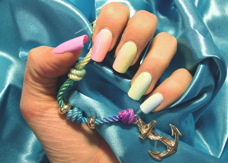 corso decorazione unghie colori pastello in questa shade di sara colleoni che ha sfumato in modo perfetto
