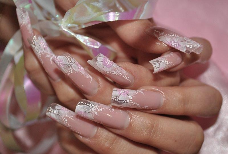 corso ricostruzione unghie meravigliose e delicate primule eseguite con colori acrilici da kateryna bandrovska