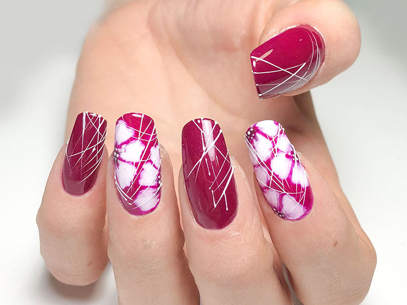 Idee Nail Art - Sheila Oddina: Fiori & Righe