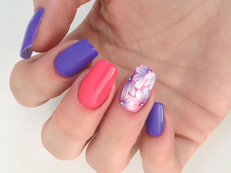 Nuove tendenze Nail art - Monica Gardel: Kombi Ultraviolet, Chic & Sofia