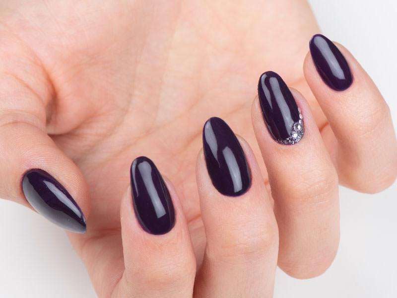 Nuove tendenze Nail art - Caterina Del Signore: Kombi Galaxy & strass