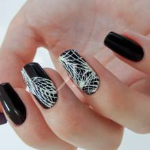 Idee nail art  - Sara Scarselli: Black decorato